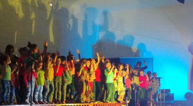 Spectacle de fin d'année à l'école Sainte Marie de Saint Côme