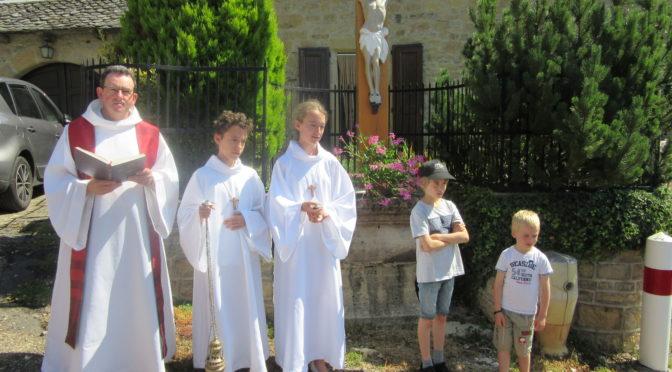 Messe et bénédiction de la croix du village de Vinnac