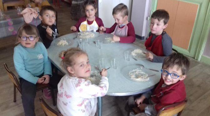 """""""bol de riz"""" à l'école Sainte Marie de Saint Côme"""