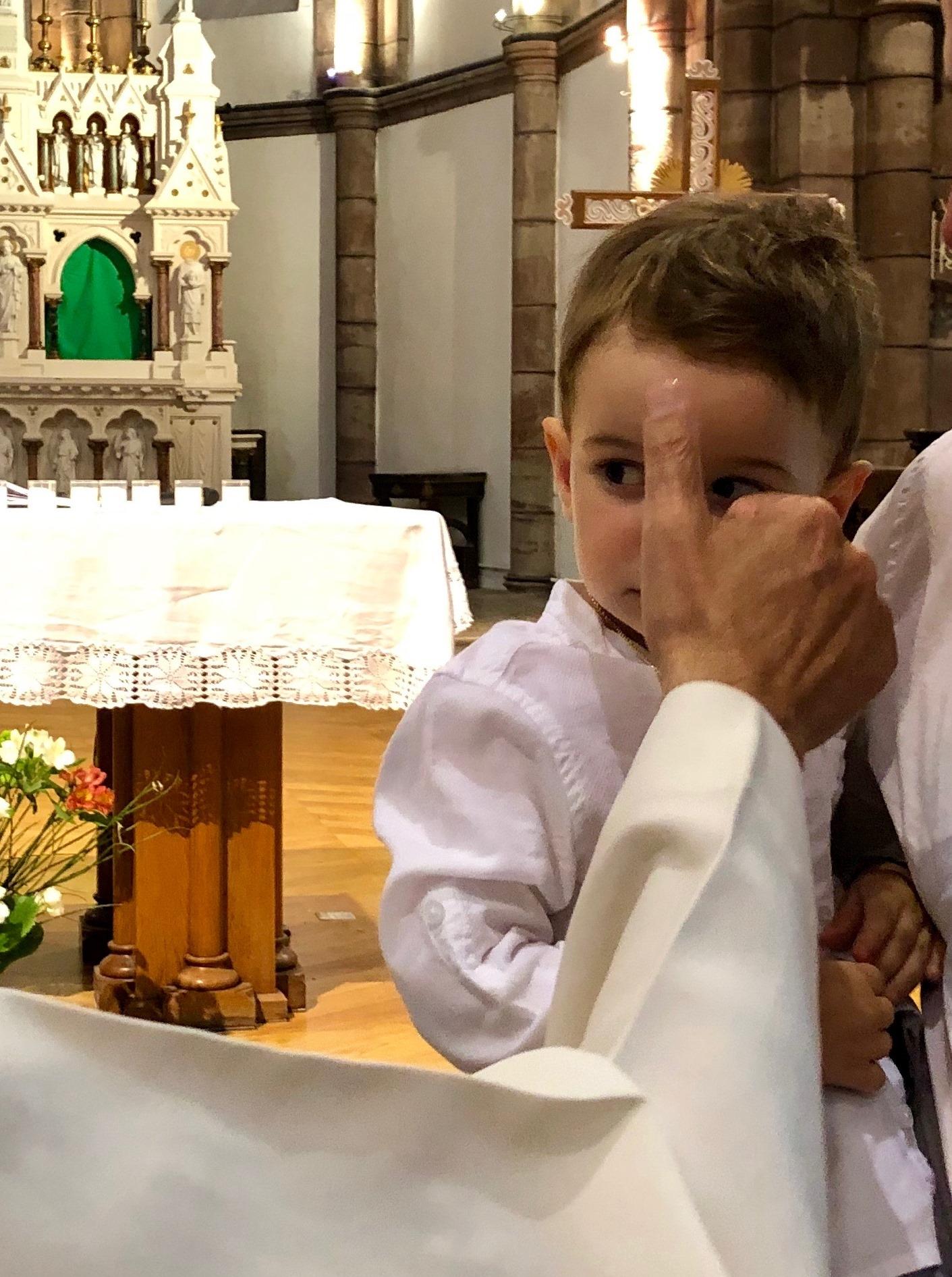 L'onction avec le Saint Chrême