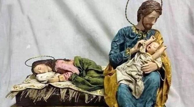 «Faire une crèche de Noël, c'est célébrer la vigilance de Dieu.» Pape François